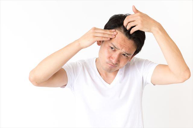 薄毛をすぐに目立たなくするなら?様々なカバー方法をチェック post thumbnail image